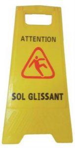 Panneau d'avertissement Attention sol glissant